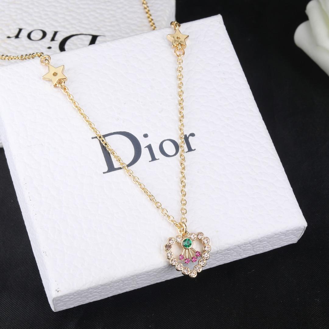 项链Dior迪奥爱心字母项链专柜一致