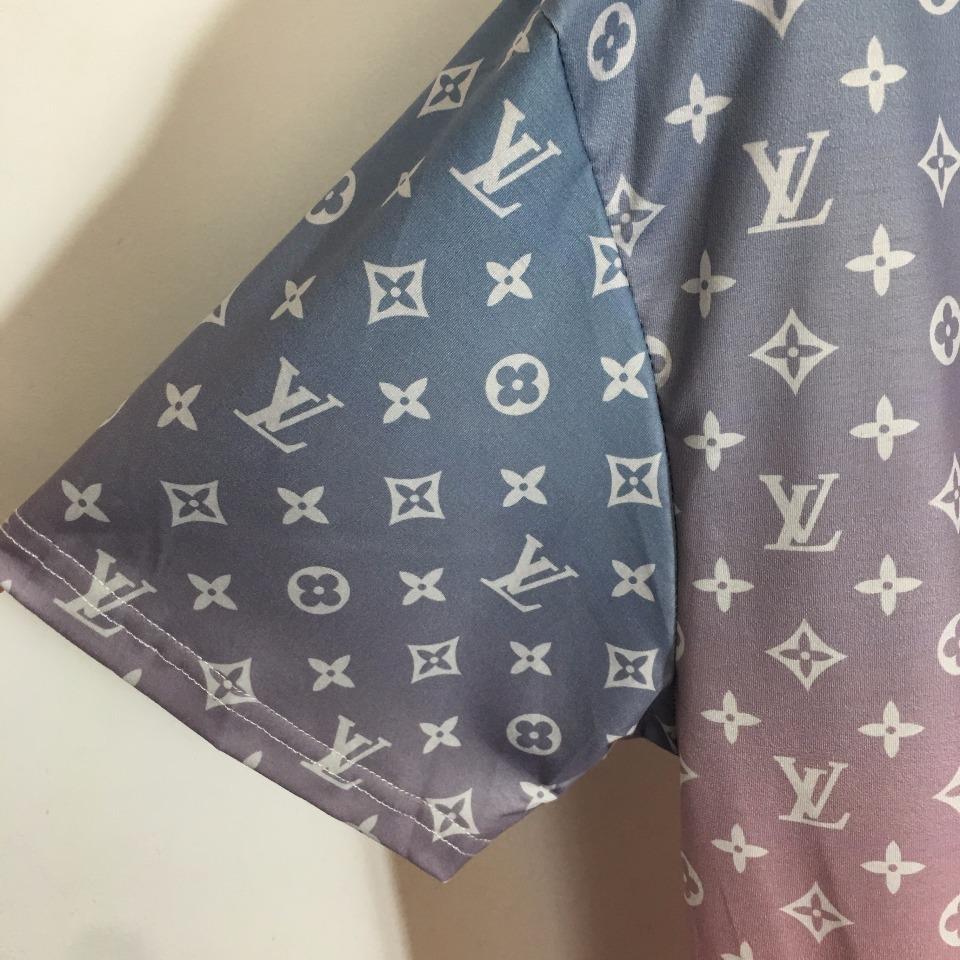 ️LV*新款胸前刺绣字母渐变色log