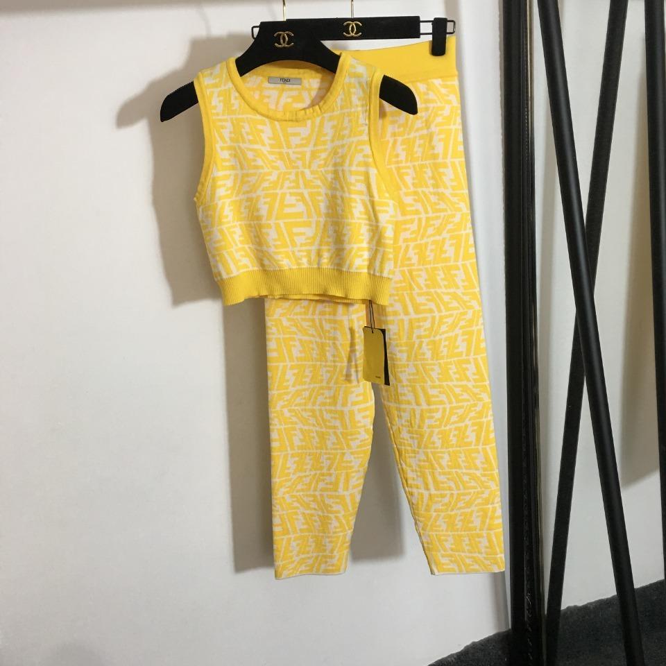 ️Fend*新款针织套装修身运动小背