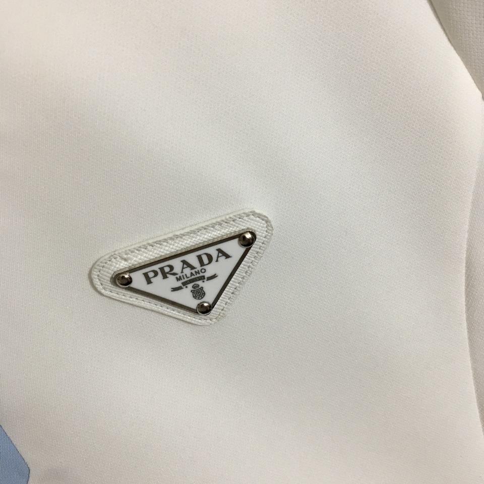 ️Prad*新款金属logo三角标撞