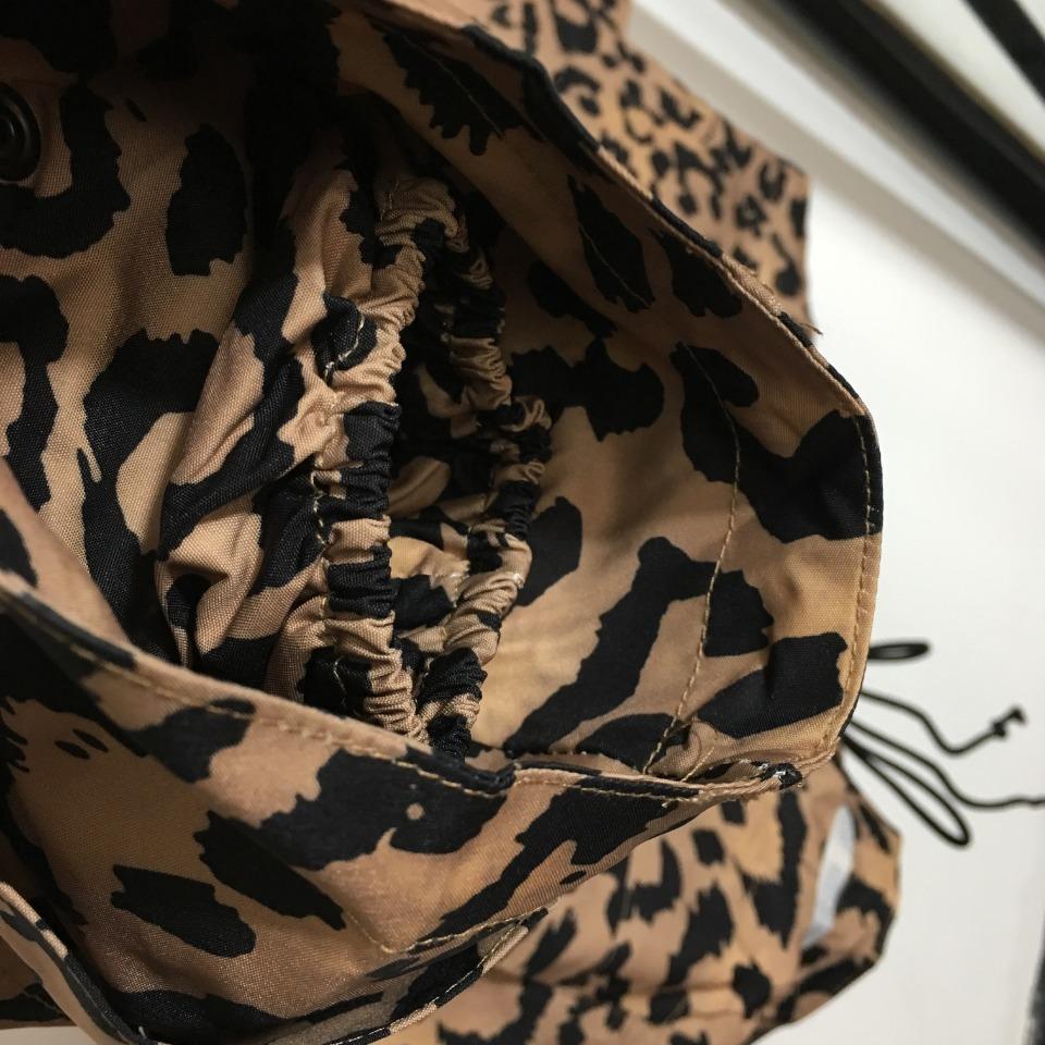 ️Dio*新款豹纹印花长袖连帽风衣卫