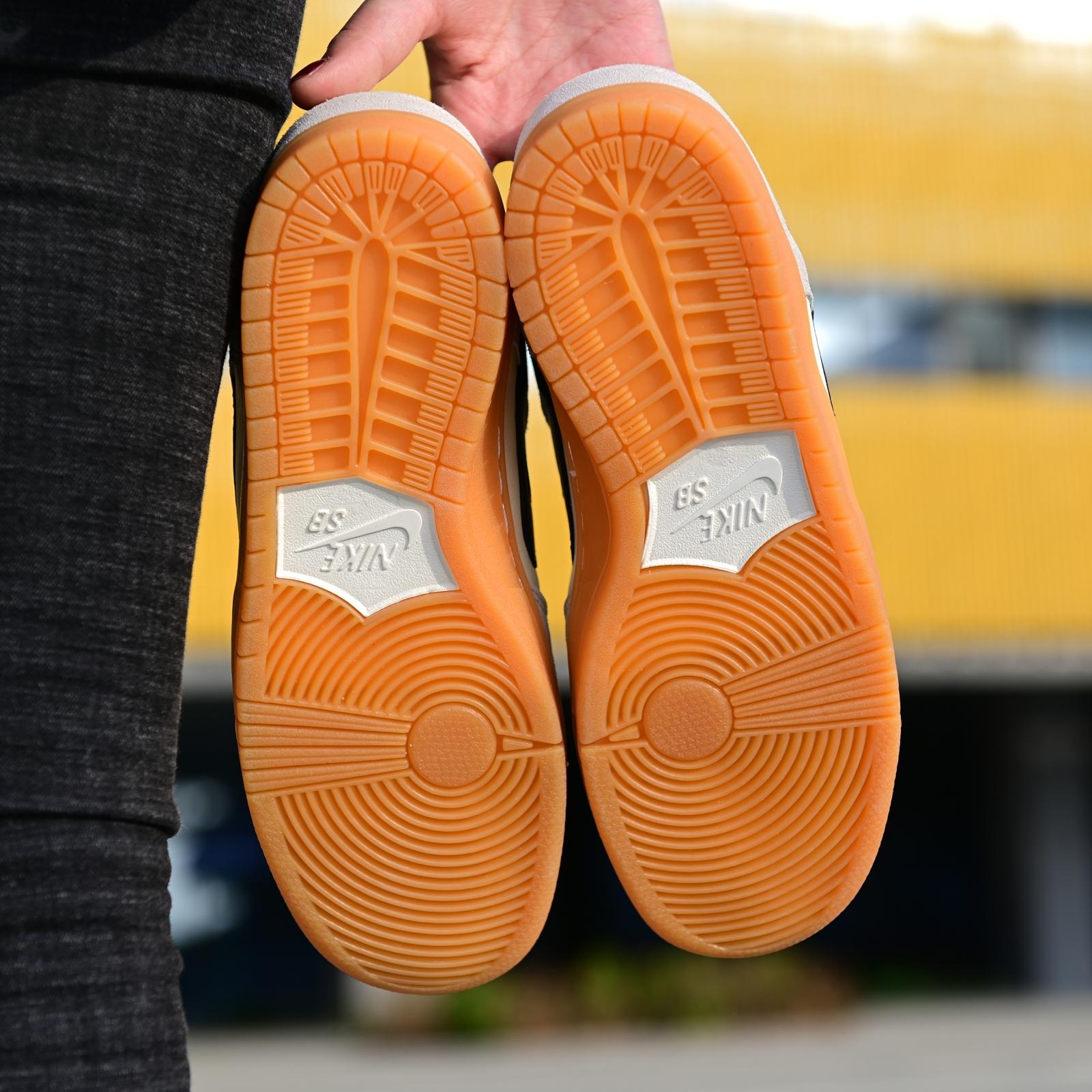 ?280Nike SB Dunk Low Pro 复古白绿海外限定 货号:854866-122#正品渠道购入原鞋开发 百分百渠道原鞋开模打造 整鞋各部皮料均为出自原厂供应 遵循正品皮料供应商指令单 细节精致一比一出货 ‼尺码:36 36.5 37.5 38 39 40 40.5 41 42 42.5 43 44