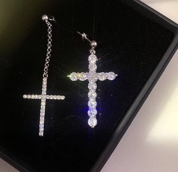 网红大牌Show奥地利锆石镶嵌十字架
